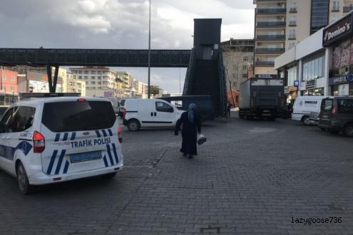 Bursa'da geri manevra yapan kamyonun altında kalan kadın öldü