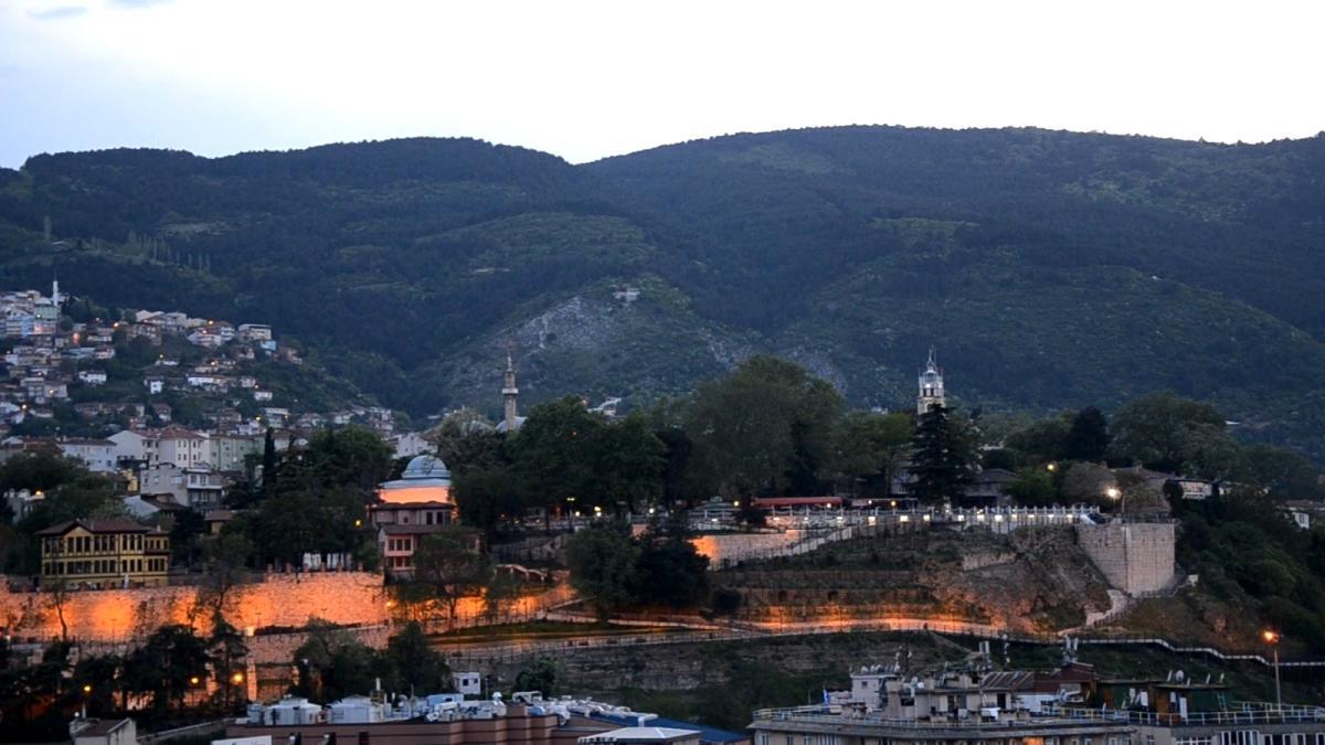 Bursa'da tophane surlarından ramazanın her günü patlayan iftar topu