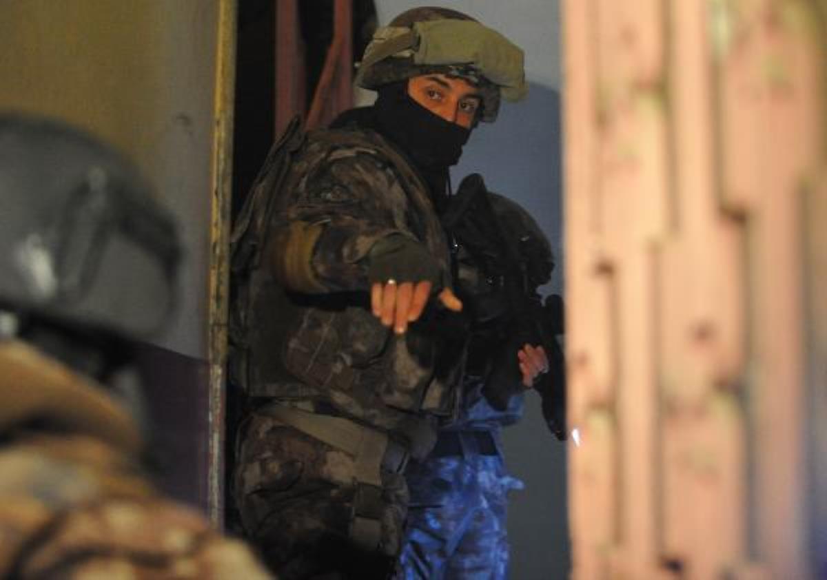 FETÖ'nün 'güncel kadın' yapılanmasına operasyon: 16 gözaltı