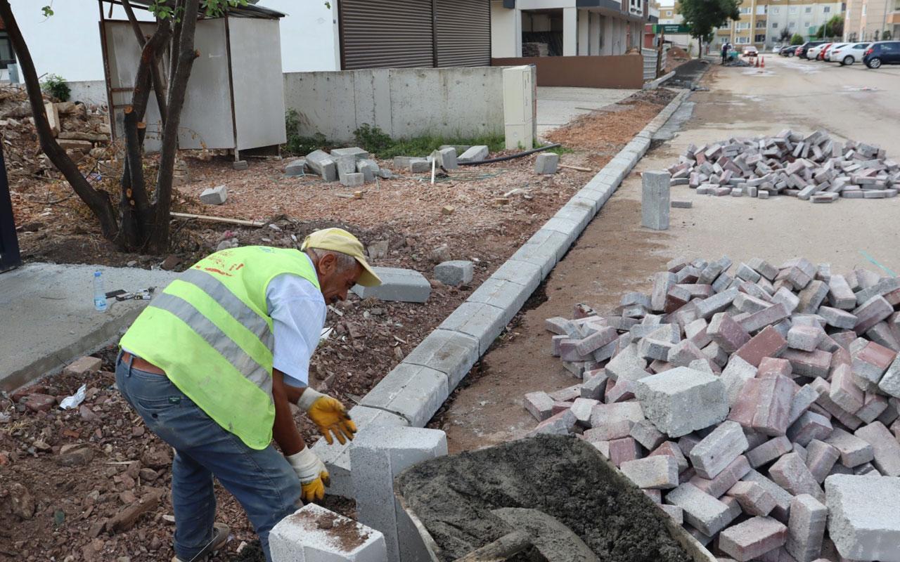 İzmit'te Alikahya'nın kaldırımları yenileniyor