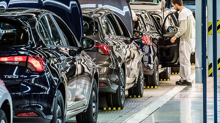 Otomobil satışları yıllık yüzde 101,9 arttı